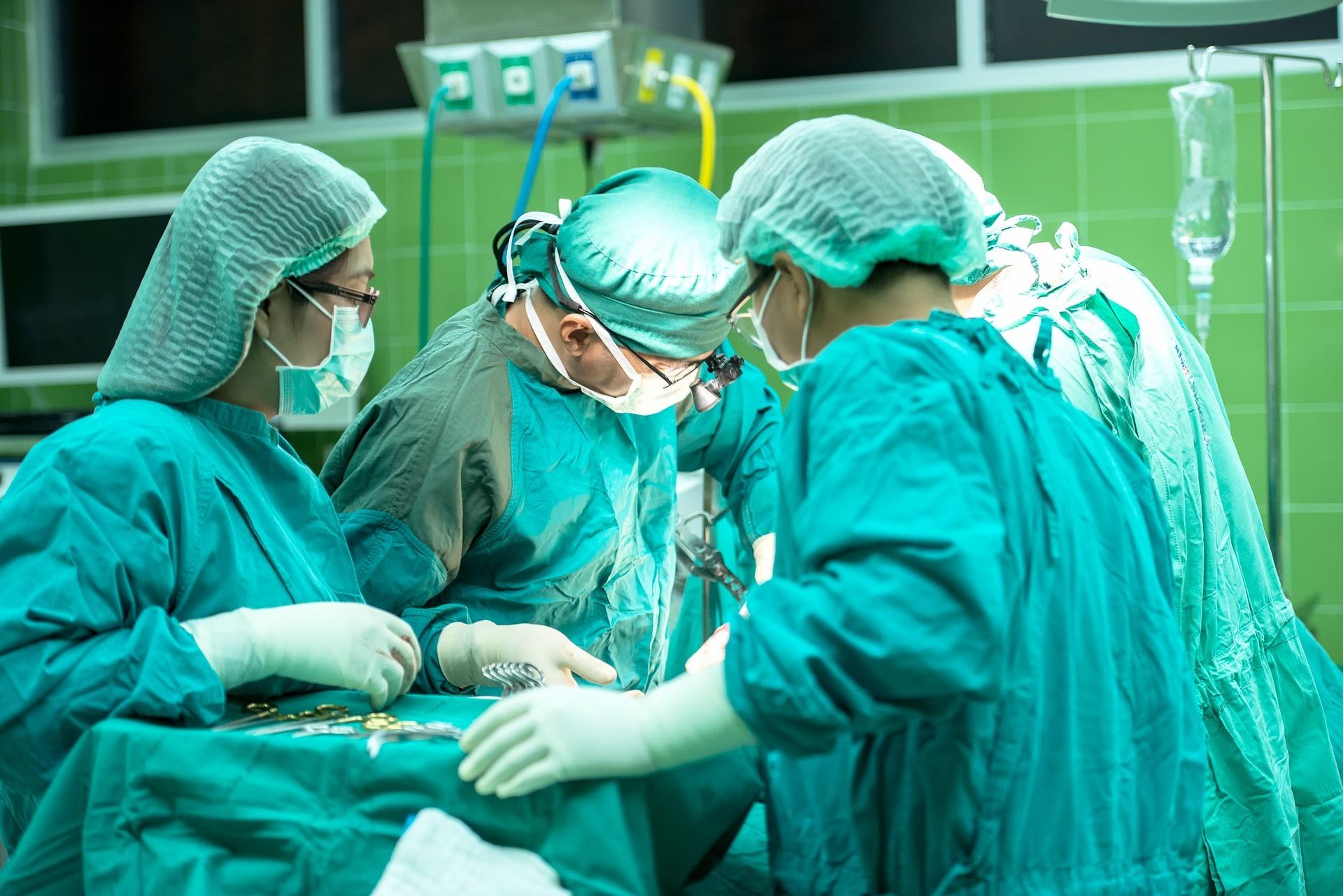 Prevenção de infecção cirúrgica em artroplastia